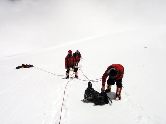 Une équipe est partie à la recherche des huit alpinistes disparus en juin. Ils ont trouvé sept corps et les images vidéo d'une GoPro.