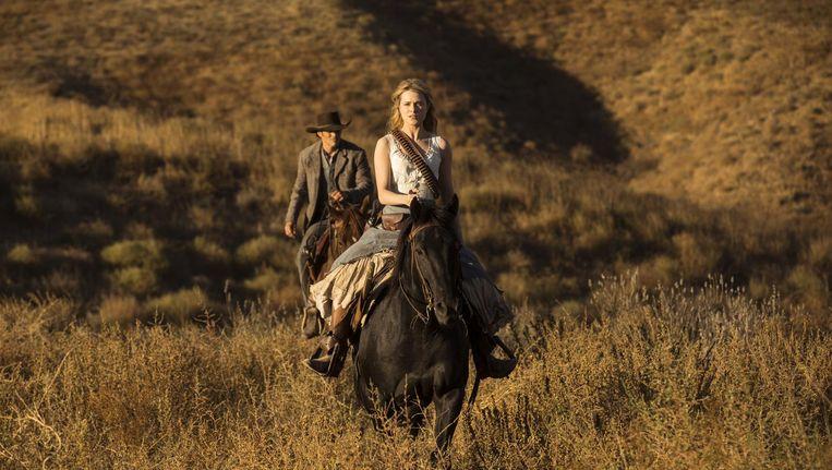 Evan Rachel Wood als Dolores in Westworld. In het tweede seizoen is er van haar onschuld niet veel over. Beeld Westworld