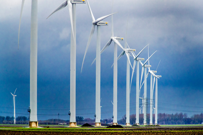 Windturbines, windmolens in het landschap. Foto: Rob Voss