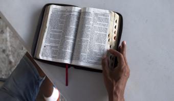 Er zijn weer nieuwe bijbelvertalingen, nog maar 3988 talen te gaan