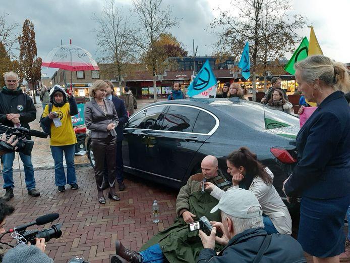 De minister kan niet weg na het overleg in Bodegraven.