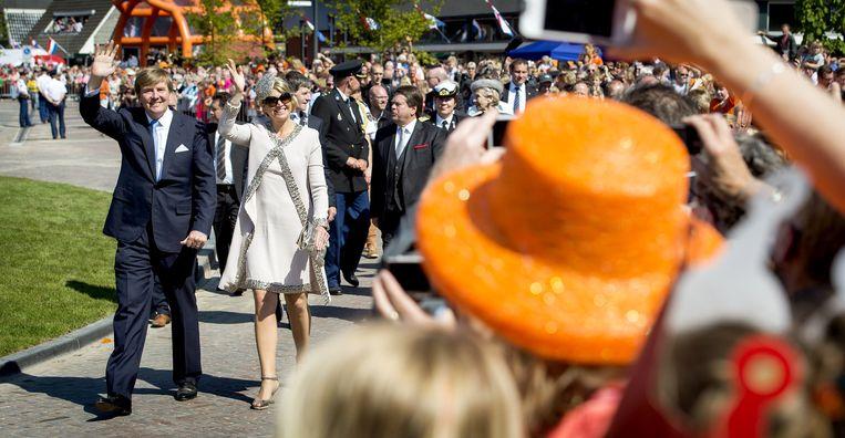 Koning Willem-Alexander en koningin Maxima vorig jaar tijdens hun bezoek aan Midden-Drenthe. Beeld anp