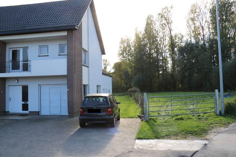 Aan dit huis in Nederhasselt vond zondag het schietincident plaats.