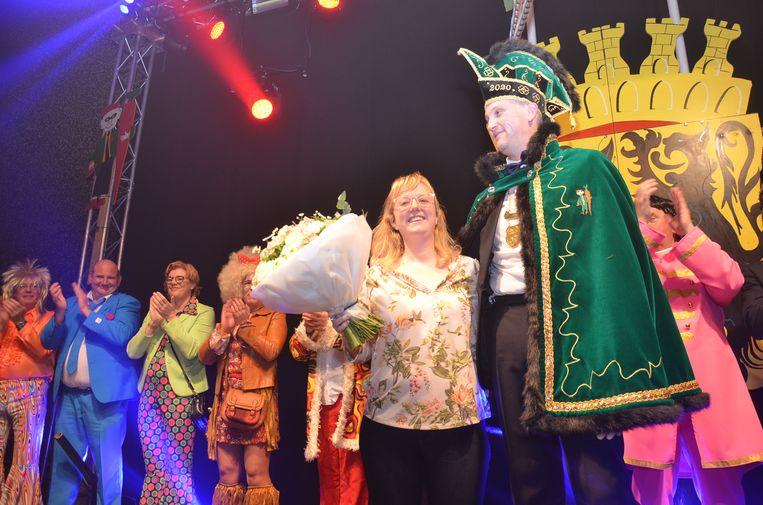Davy De Vits alias 'Vitsken' met zijn toekomstige echtgenote Sylvie tijdens de prinsaanstelling in Ninove.
