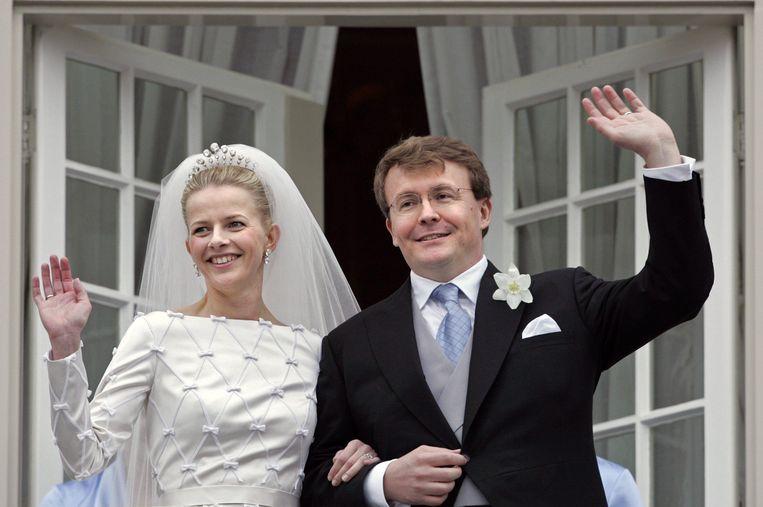 Mabel en Friso op hun huwelijksdag in 2004. Friso overleed in 2013 nadat hij 17 maanden in coma had gelegen.