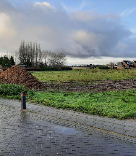 Nieuwe huizen in Oosterhout moeten verder van de weg worden gebouwd, vinden omwonenden