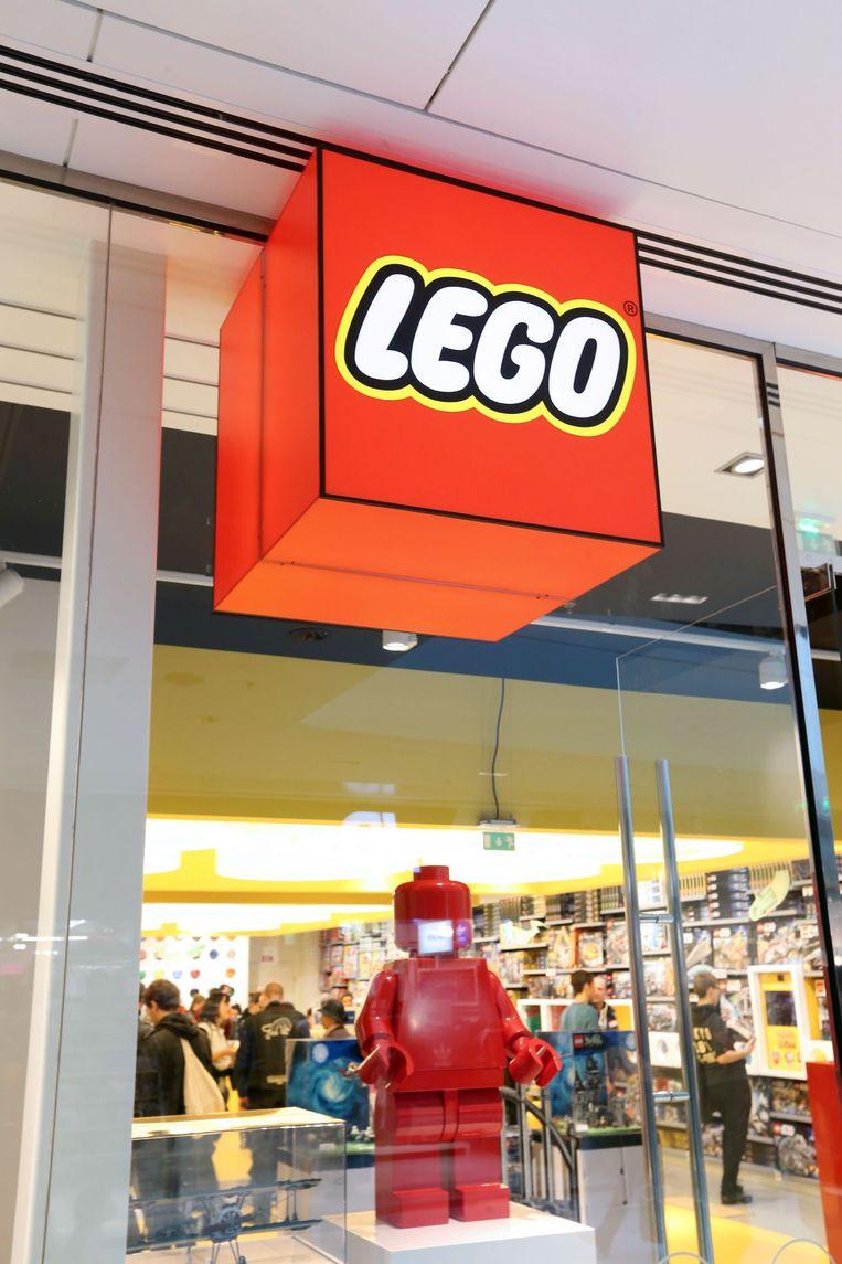 Een lego-winkel in Parijs. Beeld null
