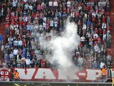 Taakstraf geëist voor gooien van vuurwerkbom bij FC Twente