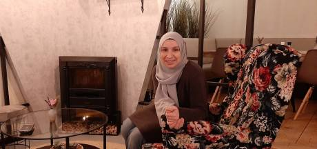 Fatma begint haar eigen Yof café: 'Dit misten Turkse jongeren in Deventer'
