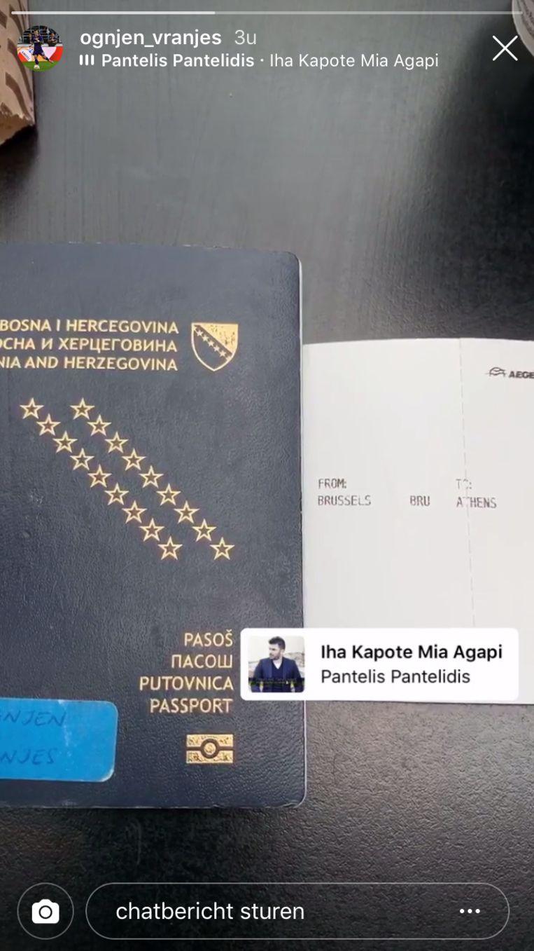 Vranjes zit op het vliegtuig naar Athene.