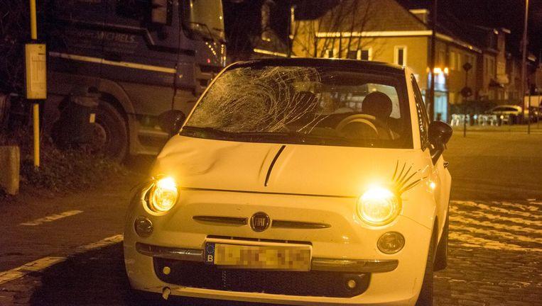 De Fiat waarmee Tessa V. de fietsers omverreed.
