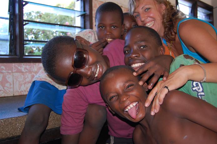 Melissa Kreps uit Geffen verloor haar hart aan jonge straatkinderen in Kenia.