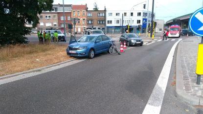 Fietsster (27) aangereden aan oprit E17 in Gentbrugge: slachtoffer in levensgevaar naar ziekenhuis gebracht