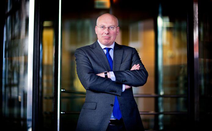 Remko Bos, directeur Energie van toezichthouder Autoriteit Consument en Markt (ACM) wil meer toezicht op netbeheerders. Foto Guus Schoonewille