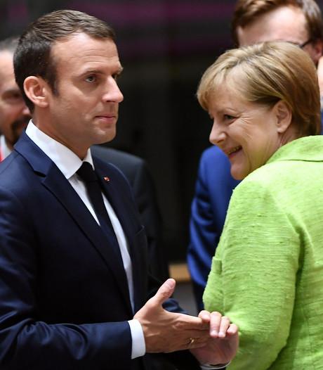 Macron en Merkel tonen zich verbonden in Brussel