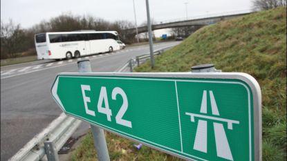 E42 afgesloten na ongeval met vrachtwagen en auto in Verviers