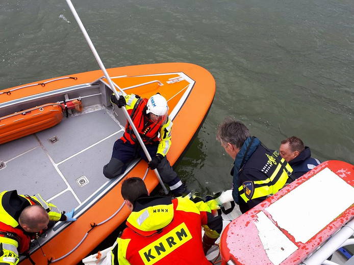 Vissers vonden het levenloze lichaam in het Hollandsch Diep bij Numansdorp.