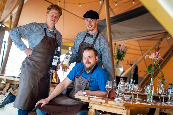 Rob Kleinsman, Jeroen Ziel en Robert Spenkelink (vlnr) in 2018, bij de start van De Wijnmakers.