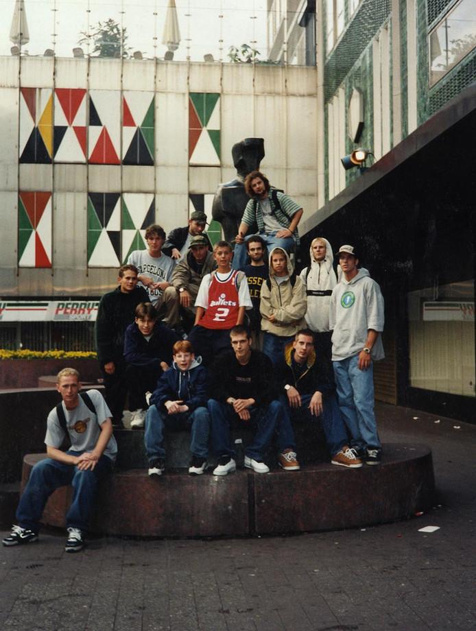 Groepsfoto van Piazza-skaters.