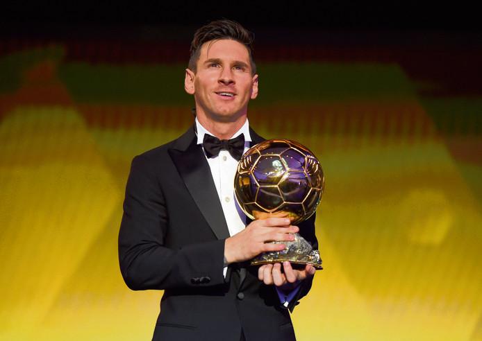 In 2015 stond Lionel Messi voor het laats met de Ballon d'Or in zijn handen. In 2016 en in 2017 moest hij Cristiano Ronaldo voor zich dulden.
