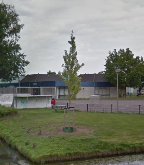Politiecontrole verscherpt rondom voormalig vervallen wijkgebouw in Nijkerk