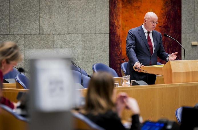 2019-04-25 16:41:52 DEN HAAG - Ferdinand Grapperhaus, minister van Justitie en Veiligheid, tijdens het debat over het rapport van de Nationale Ombudsman rond de zaak-Van Laarhoven. ANP REMKO DE WAAL