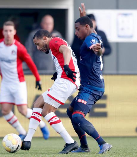 LIVE | VAR zet streep door goal van PSV, FC Emmen leeft nog
