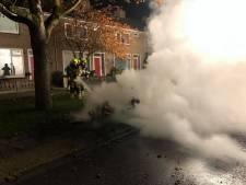 Scooter brandt uit op stoep in Culemborg