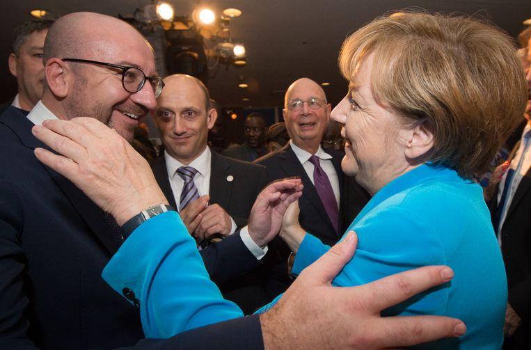 Een blij weerzien tussen Michel en Duits bonds- kanselier ANGELA MERKEL op een vergadering van de VN in New York in 2015.