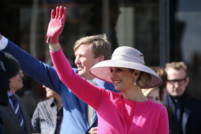 Koning Willem-Alexander en koningin Máxima tijdens Koningsdag in Zwolle in 2016.