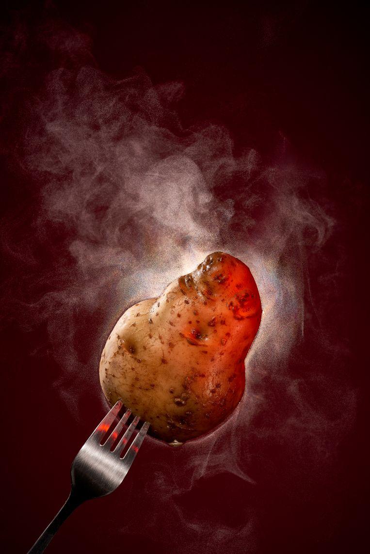 Grote winkelketens spelen de hete aardappel door naar hun leveranciers. Beeld Rein Janssen