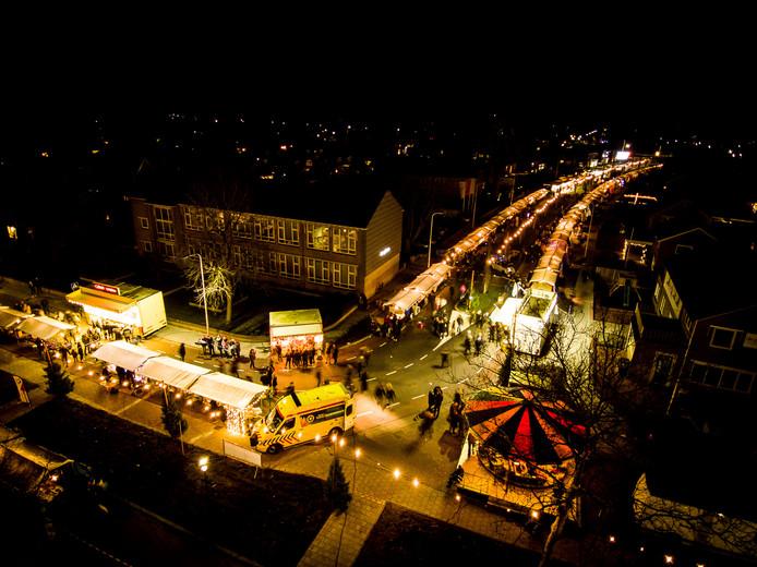 Overzicht van de kerstmarkt in Vroomshoop tijdens een eerdere editie.