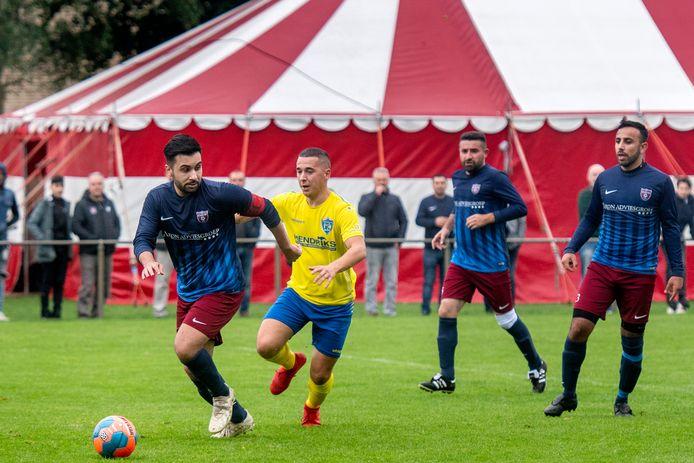 Elsweide - SC Veluwezoom: volgend seizoen treffen de clubs elkaar in de vierde klasse.