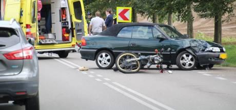 Brommerrijder gewond bij aanrijding op de Wesselseweg in Barneveld