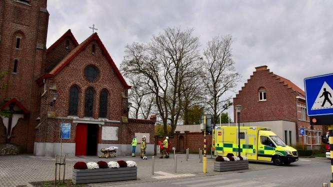 Arbeider misstapt zich en valt verdieping naar beneden in Heilig Hartkerk