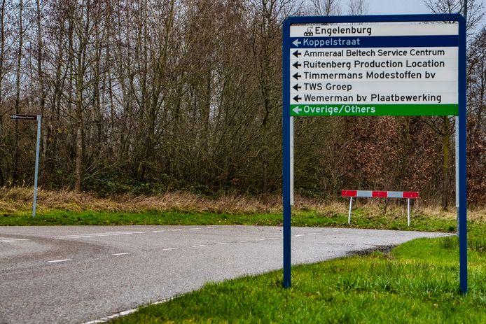De randweg in Twello loopt nu dood bij de Westerlaan op het bedrijventerrein Engelenburg.