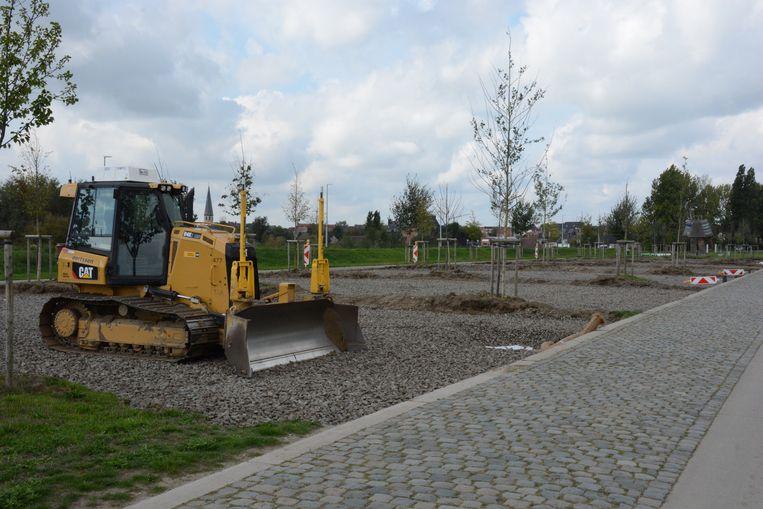 Tussen de twee rijvakken van de Scheldelei zal extra parkeergelegenheid voorzien worden