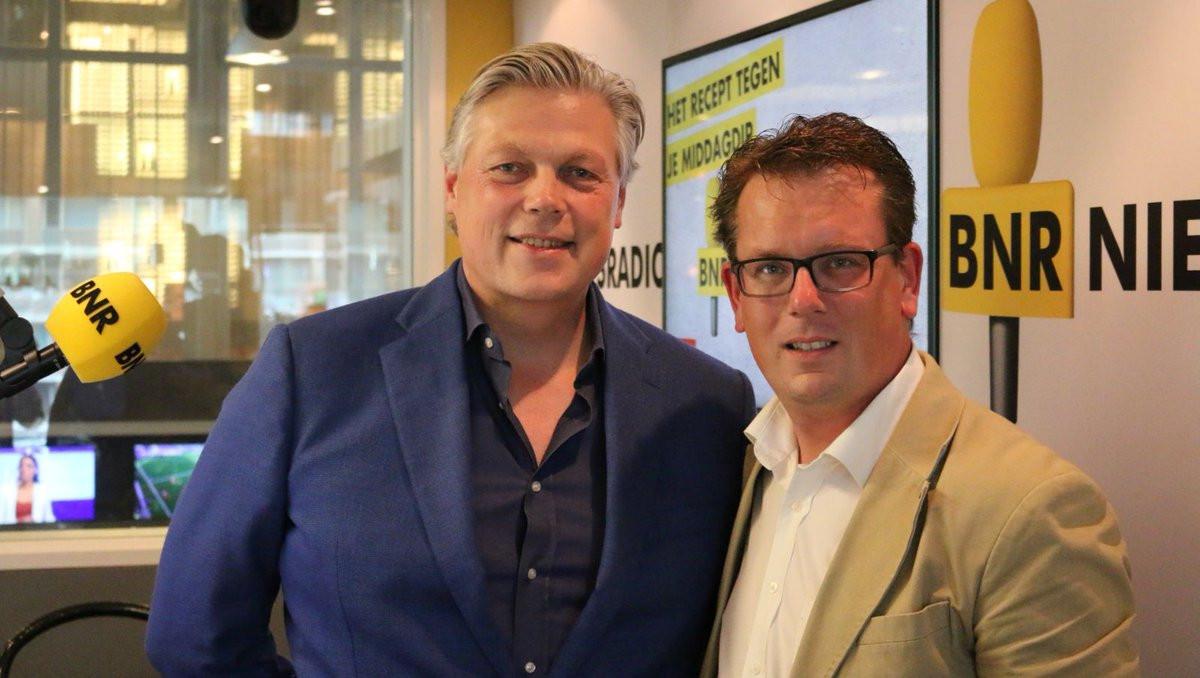 In juni was Tjeerd (rechts op de foto) te gast bij BNR Nieuwsradio om te praten over zijn nominatie.