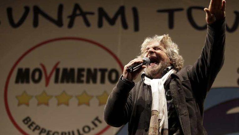 De Italiaanse politicus Beppe Grillo van de Vijfsterrenbeweging Beeld reuters