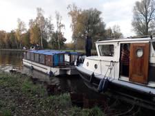 Rondvaartboot De Waterengel in Helmond krijgt opknapbeurt in Eindhoven