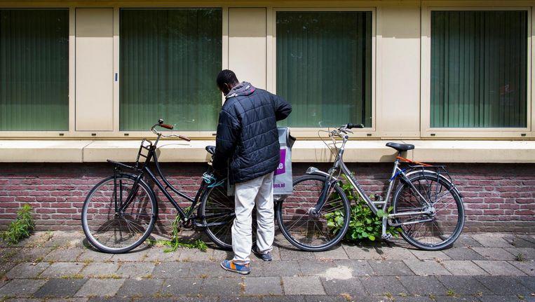 Dinsdag namen de activisten achter We Are Here bezit van een kantoorpand in Amstelveen. Beeld anp