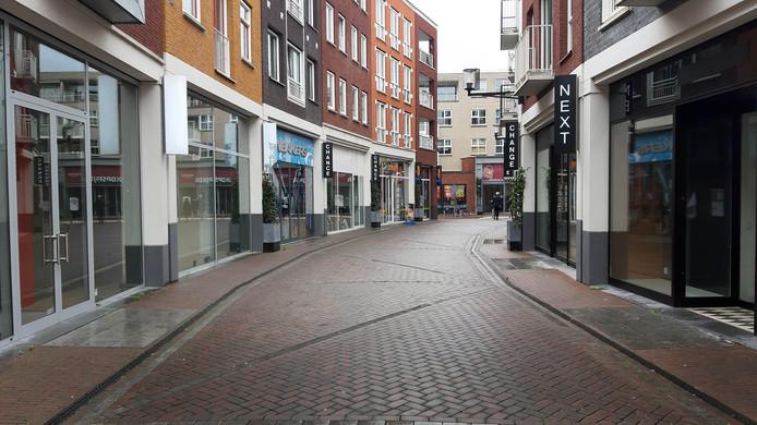 Zo'n driekwart van de winkels in het nieuwe deel van het winkelcentrum van Spijkenisse staat leeg.