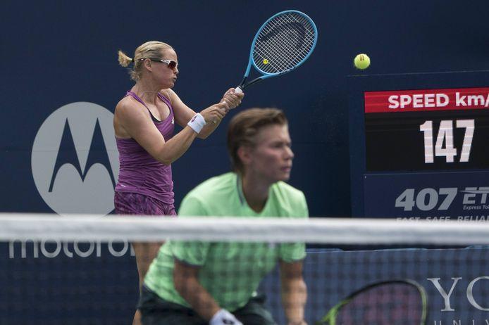 Demi Schuurs (voorgrond) en Anna-Lena Grönefeld grijpen naast de titel in Cincinnati.