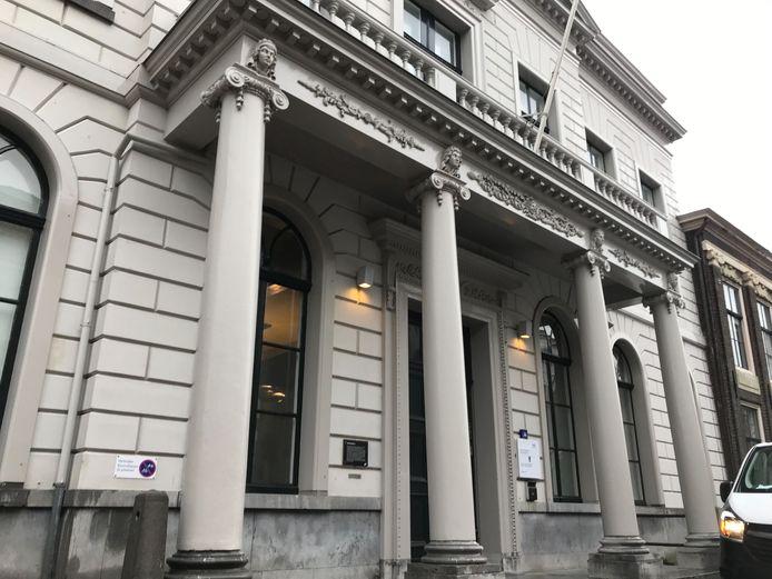 De rechtbank in Dordrecht waar een rechter vorige week met twee collega's strafzaken behandelde, terwijl zijn beëdiging niet rond was.