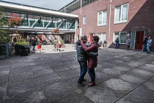 Een dansje op de muziek van Willem Jansen en Meriam Bruggink.