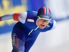 Pedersen legt Bloemen over de knie op 5000 meter
