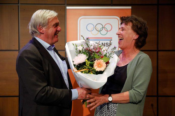 Anneke van Zanen-Nieberg op archiefbeeld met haar voorganger André Bolhuis.
