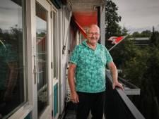 Bij de voedselbank is oud-havenarbeider Niek (69) pas in zijn element. 'Ik geef mijn leven een 10!'