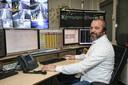 Robert-Jan Bakker is verkeersleider van de tramlijn