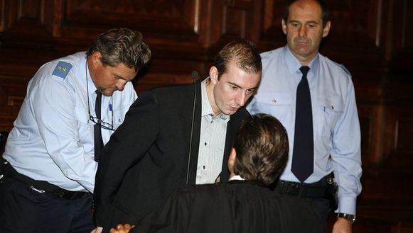Beschuldigde Nick Bertels overlegt met zijn advocaat Kris Luyckx.